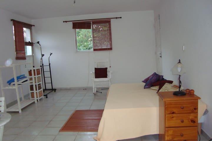 studio  calme spacieux  proche de plage à Gosier - Le Gosier - Villa