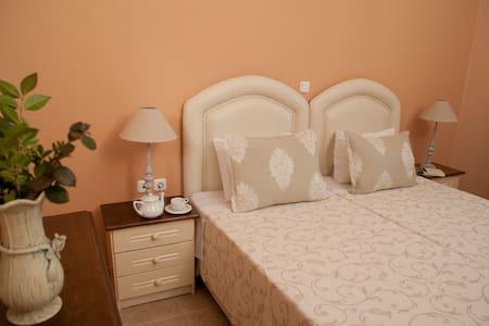 Valta View - Skoula Apartment - Kremmidi