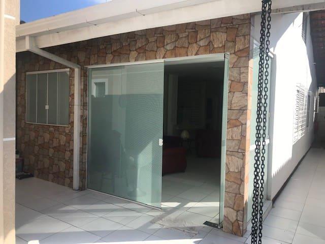 Casa no Centro p/ até 12 pessoas, Wi-Fi e Ar Cond