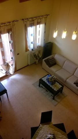 Italian confy apartment - Giavera del Montello - Appartement