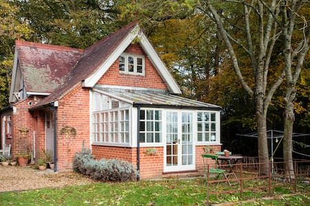 The Coach House, entire space Lymington-New Forest