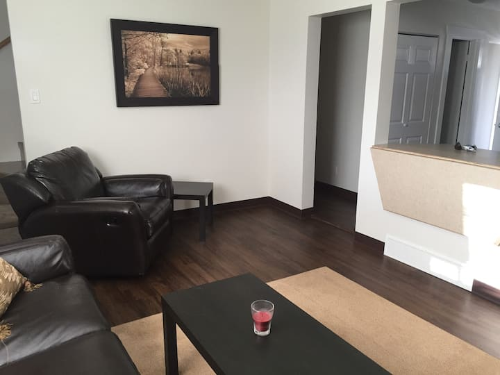 Executive 3 bedroom Townhome (49)