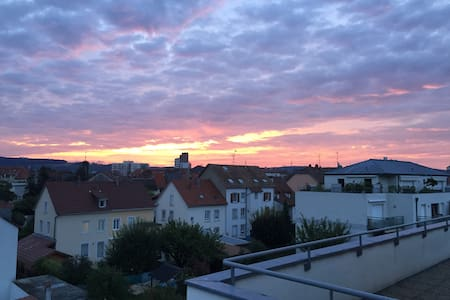 Gorgeous 3 bedroom rooftop appartment near Basel - Huningue