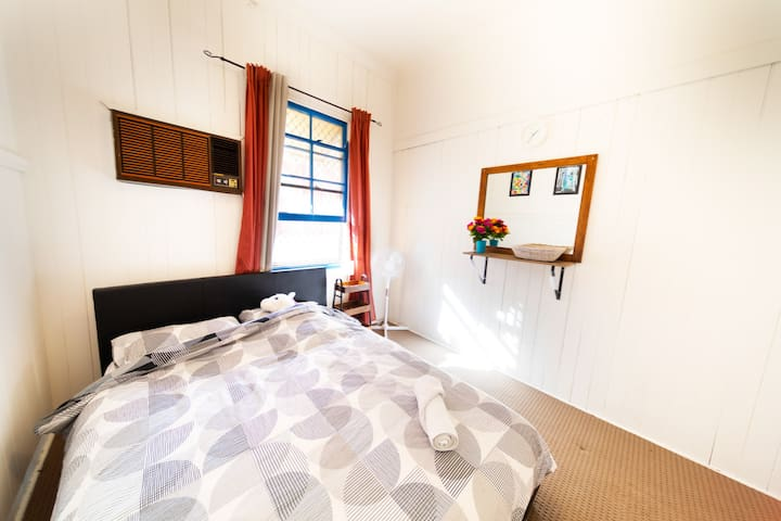 Brisbane's cosy place to stay, do you love music?