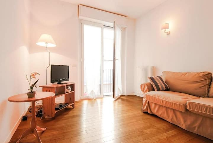 Lovely 1bdr a few steps from Pantheon! 2064
