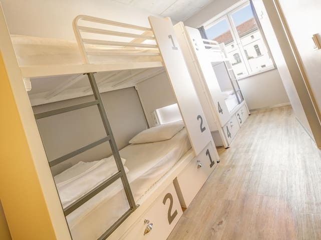 Generator Mitte - Bed in 6 bed Dorm