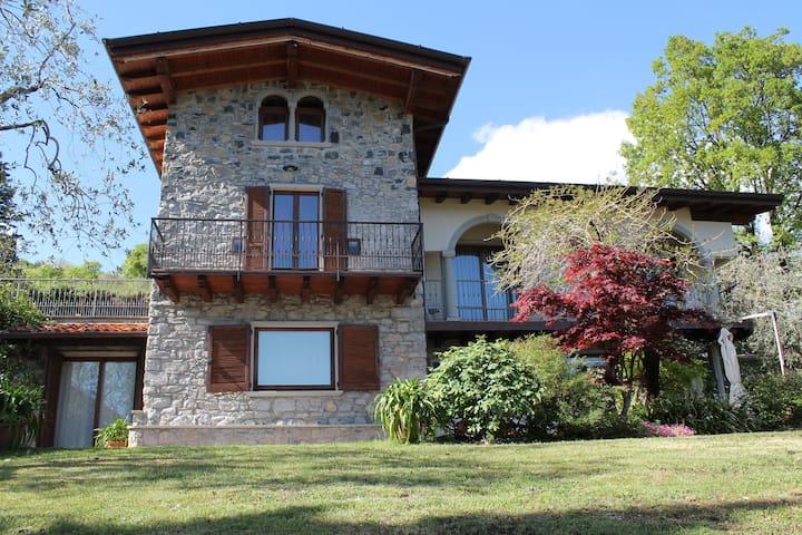 Villa degli ulivi - Iseo Lake - Riva di Solto