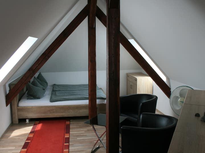 Apartment-Standard-Eigenes Badezimmer-Gartenblick-Maisonette