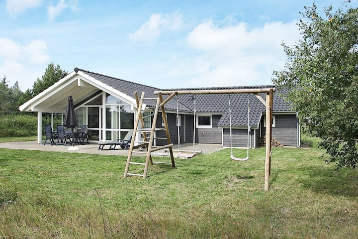 Comfortable Holiday Home in Ålbæk with Terrace