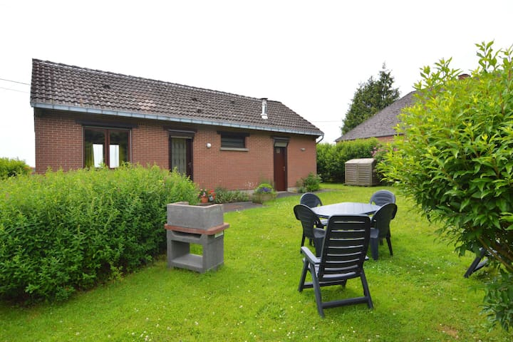 Pleasant Holiday Home in Froidchapelle with Garden