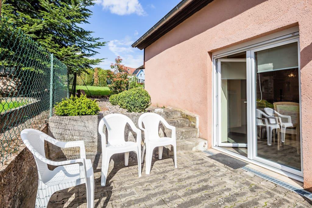 Terrasse attenante au séjour / cuisine