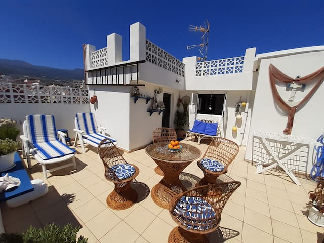 Lovely apartment with views at the sea and volcan