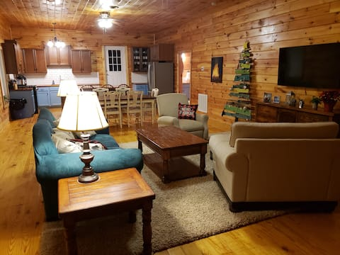 Spacious, Comfy, Farmhouse-Style Cabin