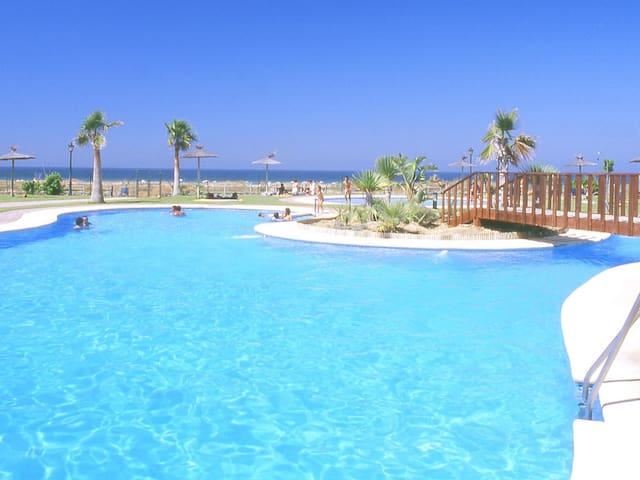 Appartamenti con piscina vicino alla spiaggia. Ref.puerto zahara-45