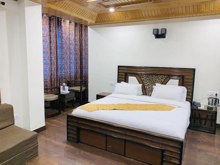 Relaxing and Enjoyable Stay at Shimla