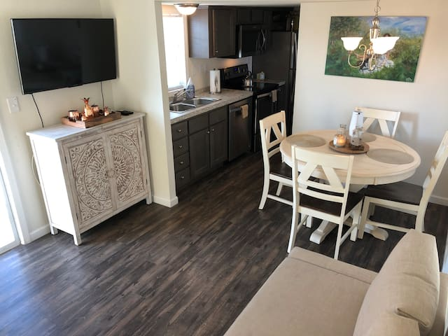 Private Tiny Home For Long Term Vacation! 90 day +