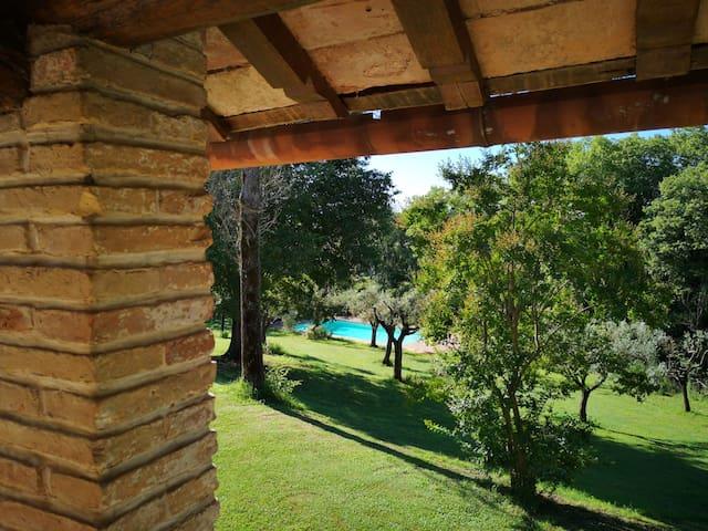Casale S. Giovanni Villa with Pool close to Rome