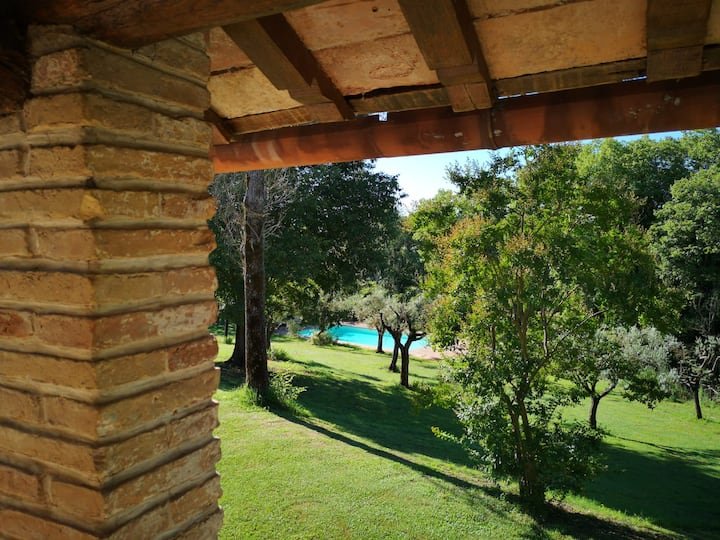 Casale S. Giovanni Villa with Pool close to Rome