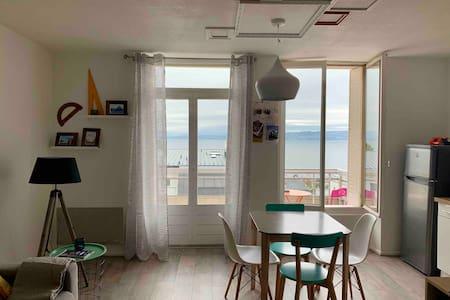Un balcon  sur le leman au coeur d'Evian