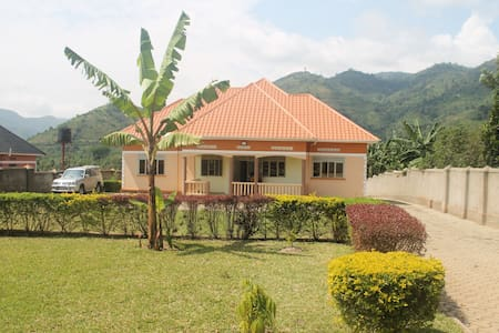 BLT Residence - Kasese A serene and tranquil home