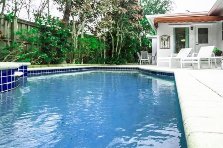 Beach 2 Miles&Downtown-Las Olas Step Away-W/Pool