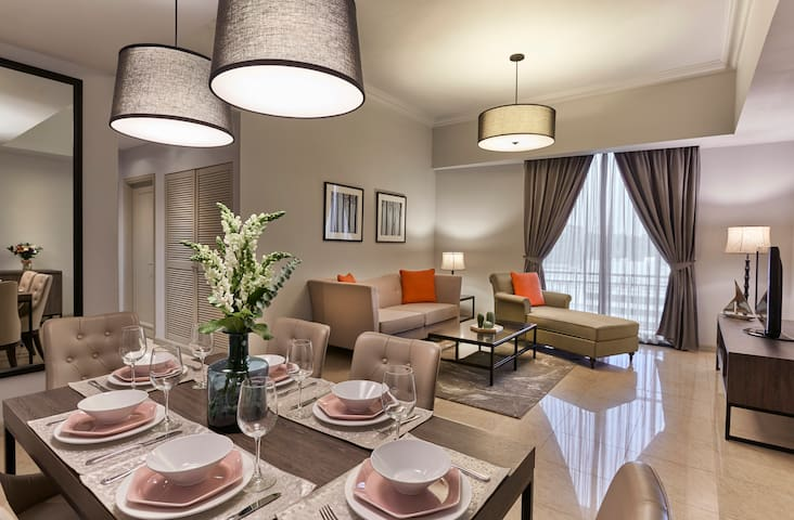 Contemporary 3BR Apartment in Orchard