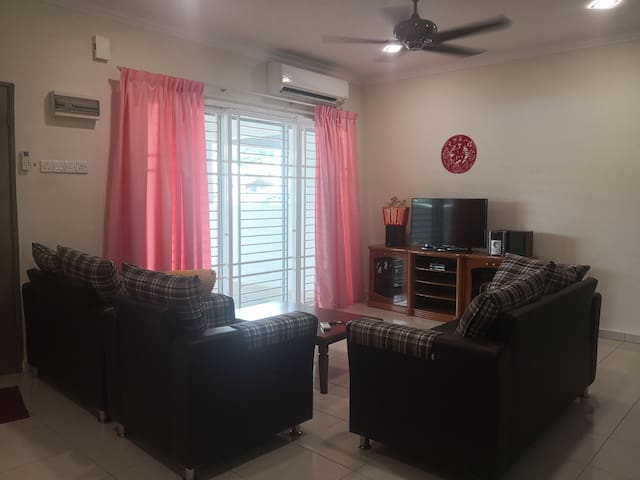 STAR LIGHT HOMESTAY 229 @ Ayer Tawar