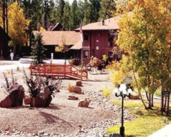 Vacation Resort in Arizona's White Mountains - Two Bedroom Suite (#2)