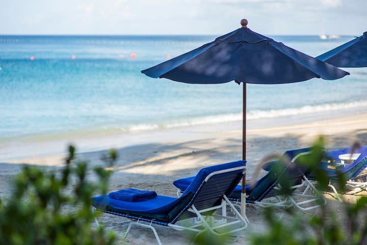 'Sungazer' - 1 bdrm Apt by Beach Club & West Coast