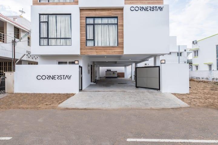 Cornerstay - Deluxe Room 101