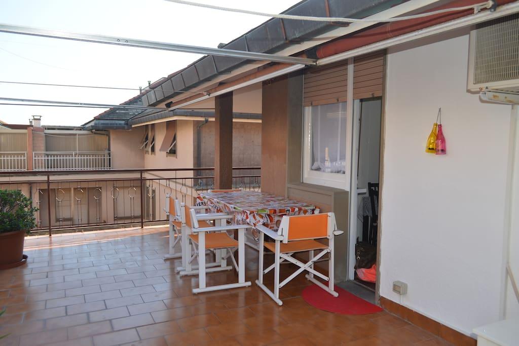 ampio terrazzo bi-esposto - con barbecue