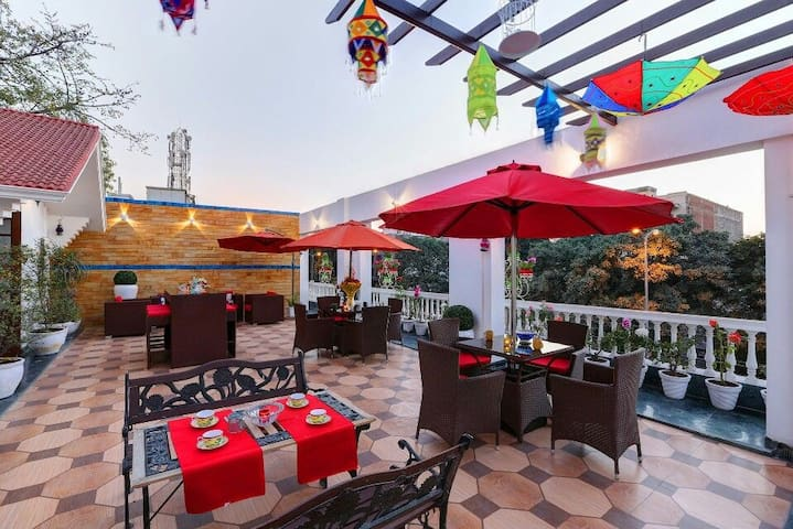 7 Guest Rooms Villa + Terrace in New Delhi, GK-2