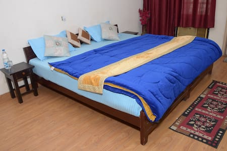 THE ABODES GUEST HOUSE  - Greater Noida
