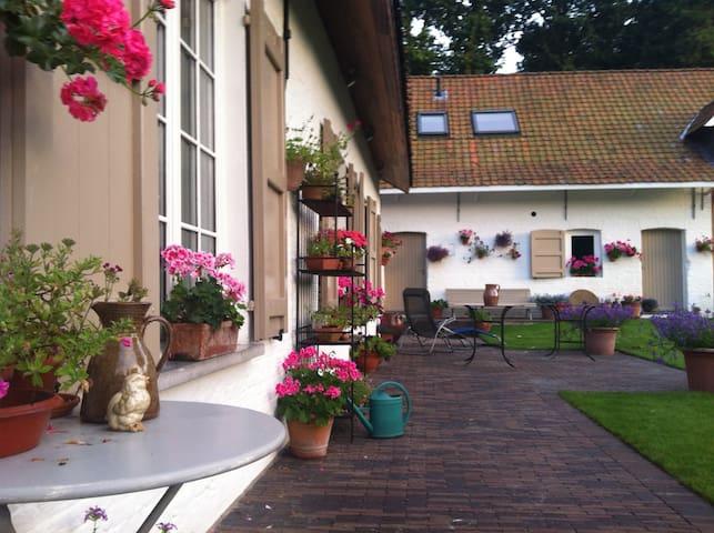 Guesthouse DE SCHUUR - Destelbergen - ลอฟท์