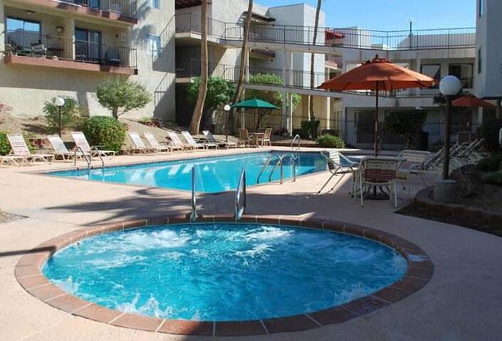Cozy 1 bedroom/1 bath w/ sofa bed, wifi, pool/spa - Lake Havasu City - Apto. en complejo residencial