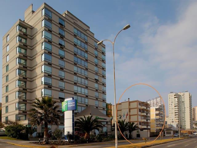 Habitación en depto compartido Avenida Brasil