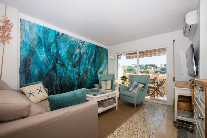 ATTIC WITH TERRACE AND SEA VIEWS IN ARENYS DE MAR