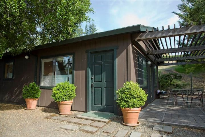 Moose Cottage - Ravenridge  - Yorkville, CA