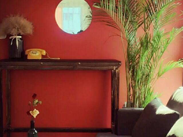 木子里民宿【胶片】复古港风/ 24H地暖/近宝龙/大学城/可做饭/巨幕投影/停车方便