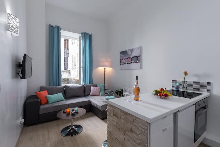 NEW charming apartment - old town