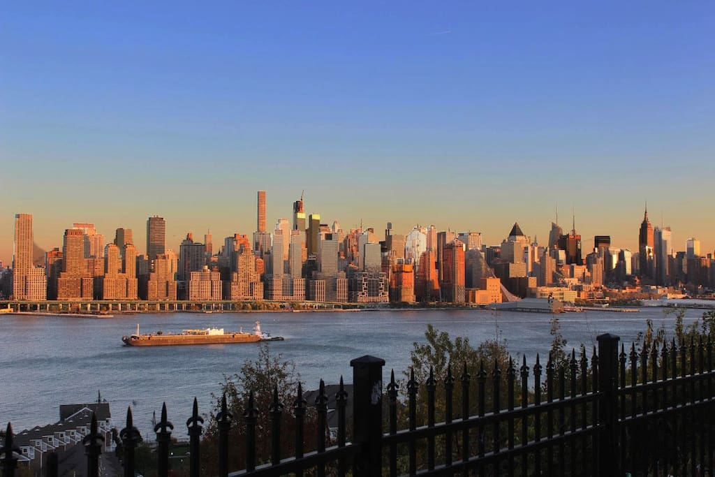 Beautiful view of Manhattan just one block away.