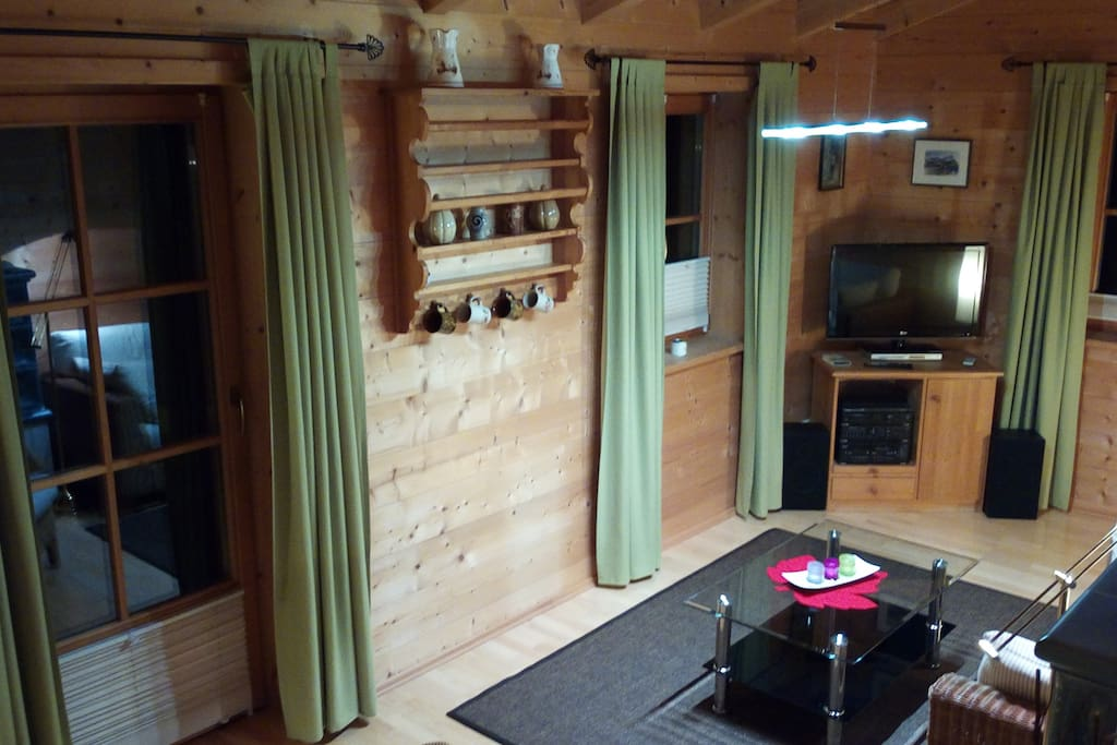 Wohnzimmer mit Terassentüre