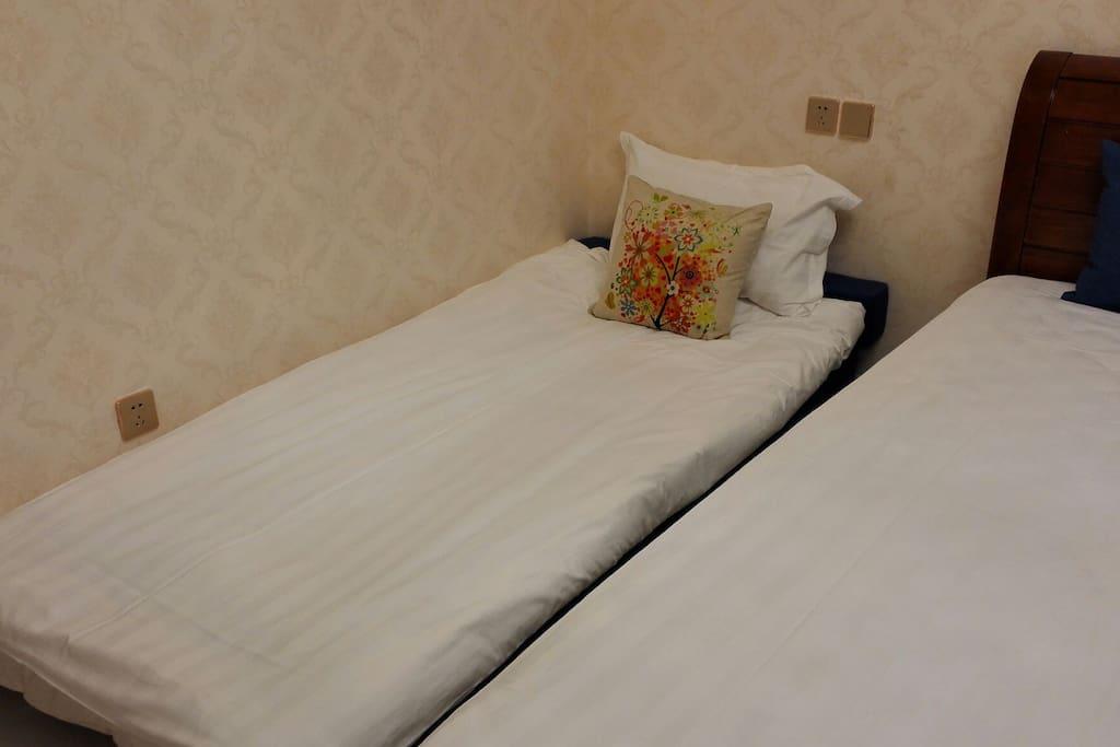 沙发展开是0.9*1.9沙发床
