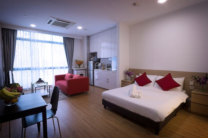 Luxury serviced apartment in orchard near subway15