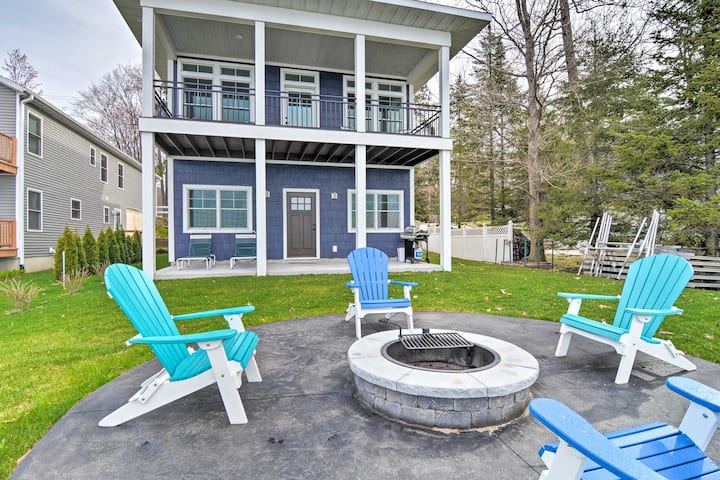 Lakefront Cadillac Home w/ Dock - Mins to Hiking