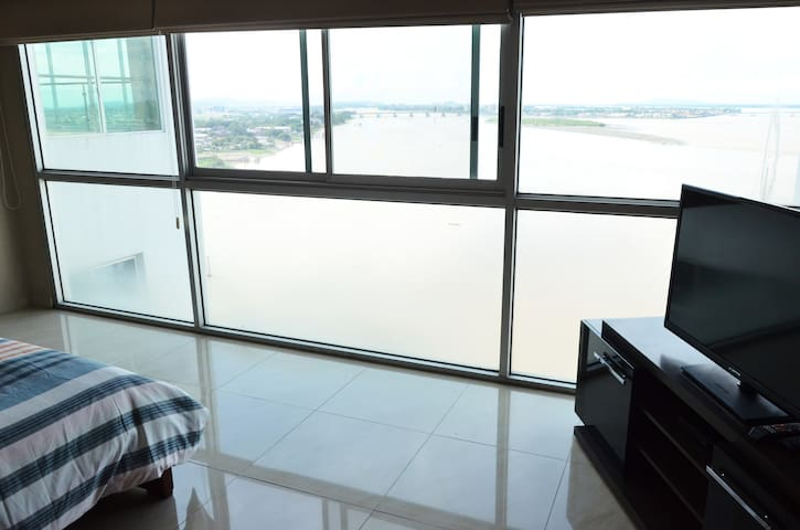Master Bedroom - Penthouse Luxury River View