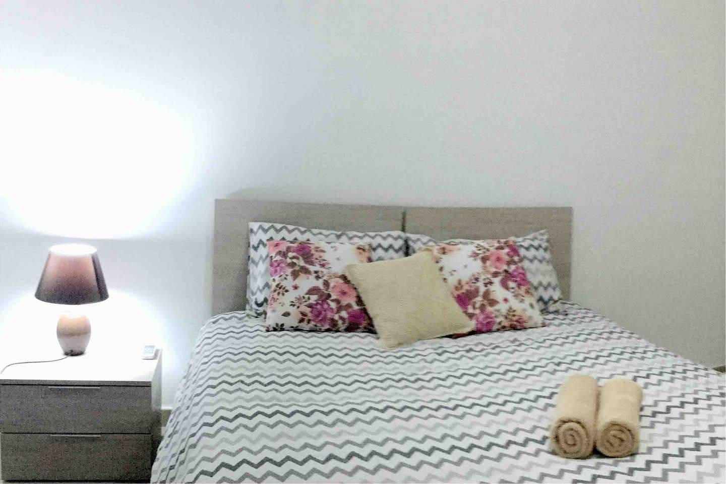 Warm and Welcoming - Double bed in your cosy bedroom