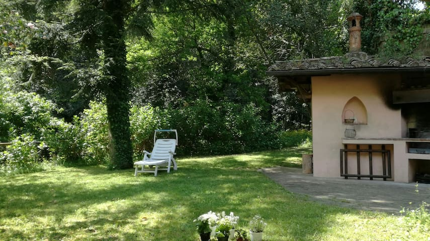 A quiet home in Tuscany near Lucca and the beaches - Camaiore - Villa
