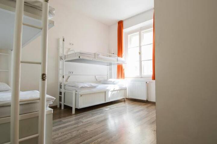 Safestay Prague, 8 Bed Dorm Ensuite