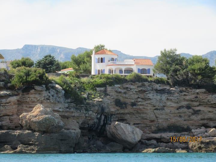 Superbe villa en première ligne de mer